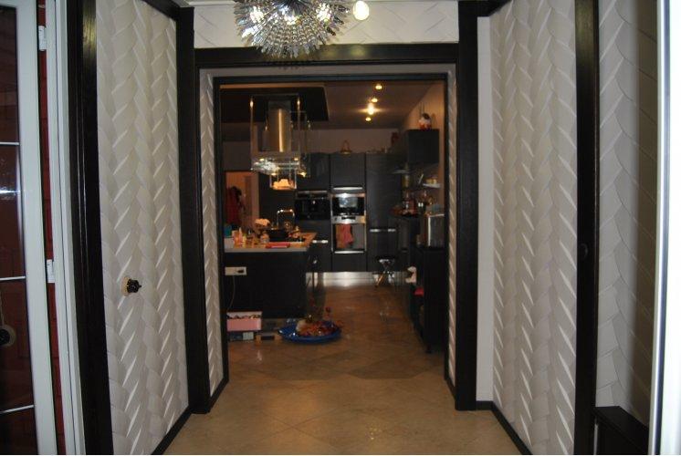 Гипсовые 3d панели в интерьере квартиры